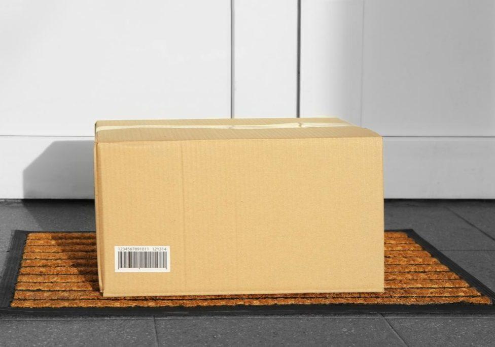 package at door_0.jpg